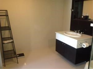 BKK Condos Agency's 1 bedroom condo for rent at The Address Chidlom 1