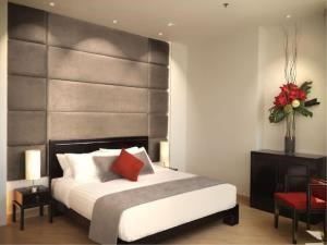 BKK Condos Agency's 3 bedroom condo for rent at Millennium Residence 3