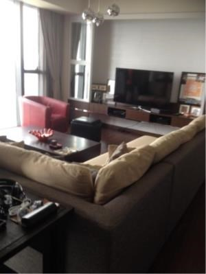 BKK Condos Agency's 3 bedroom condo for rent at The Met 2