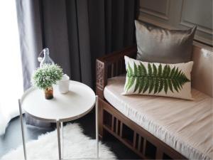 BKK Condos Agency's 1 bedroom condo for rent at Edge Sukhumvit 23 3