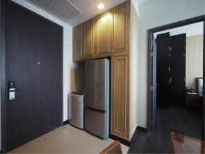 BKK Condos Agency's 1 bedroom condo for rent at Edge Sukhumvit 23 9
