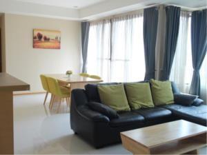 BKK Condos Agency's 2 bedroom condo for rent at The Emporio Place 1