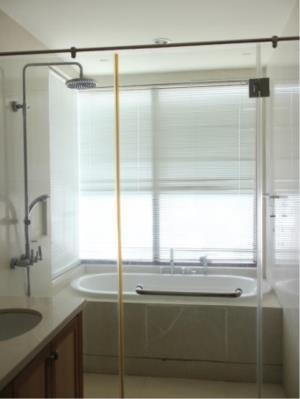 BKK Condos Agency's 2 bedroom condo for rent at The Emporio Place 7
