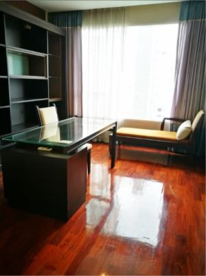 BKK Condos Agency's 2 bedroom condo for rent at the Wilshire 8