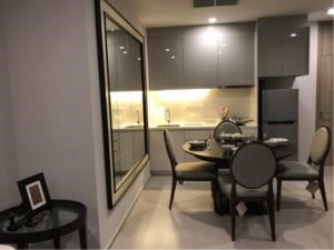 BKK Condos Agency's 1 bedroom condo for rent at Noble Ploenchit 3
