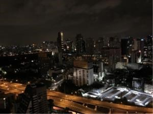 BKK Condos Agency's 1 bedroom condo for rent at Noble Ploenchit 7