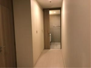 BKK Condos Agency's 1 bedroom condo for rent at Noble Ploenchit 4