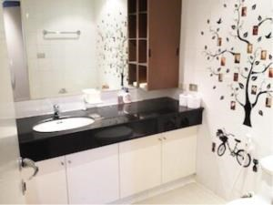 BKK Condos Agency's 2 bedroom condo for rent at Liberty Park 2 4