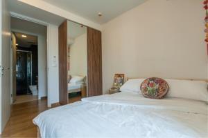 BKK Condos Agency's 2 bedroom condo for rent at Via 31 3