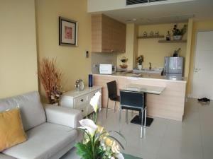 BKK Condos Agency's 1 bedroom condo for rent at Aguston Sukhumvit 22 3