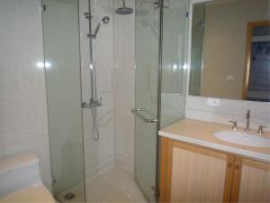 BKK Condos Agency's 1 bedroom condo for rent at The Emporio Place 7