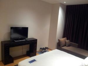 BKK Condos Agency's Emporio Place Sukhumvit 24 2 bedroom for rent 14