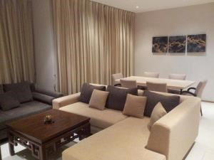 BKK Condos Agency's Emporio Place Sukhumvit 24 2 bedroom for rent 11