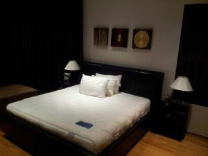 BKK Condos Agency's Emporio Place Sukhumvit 24 2 bedroom for rent 6