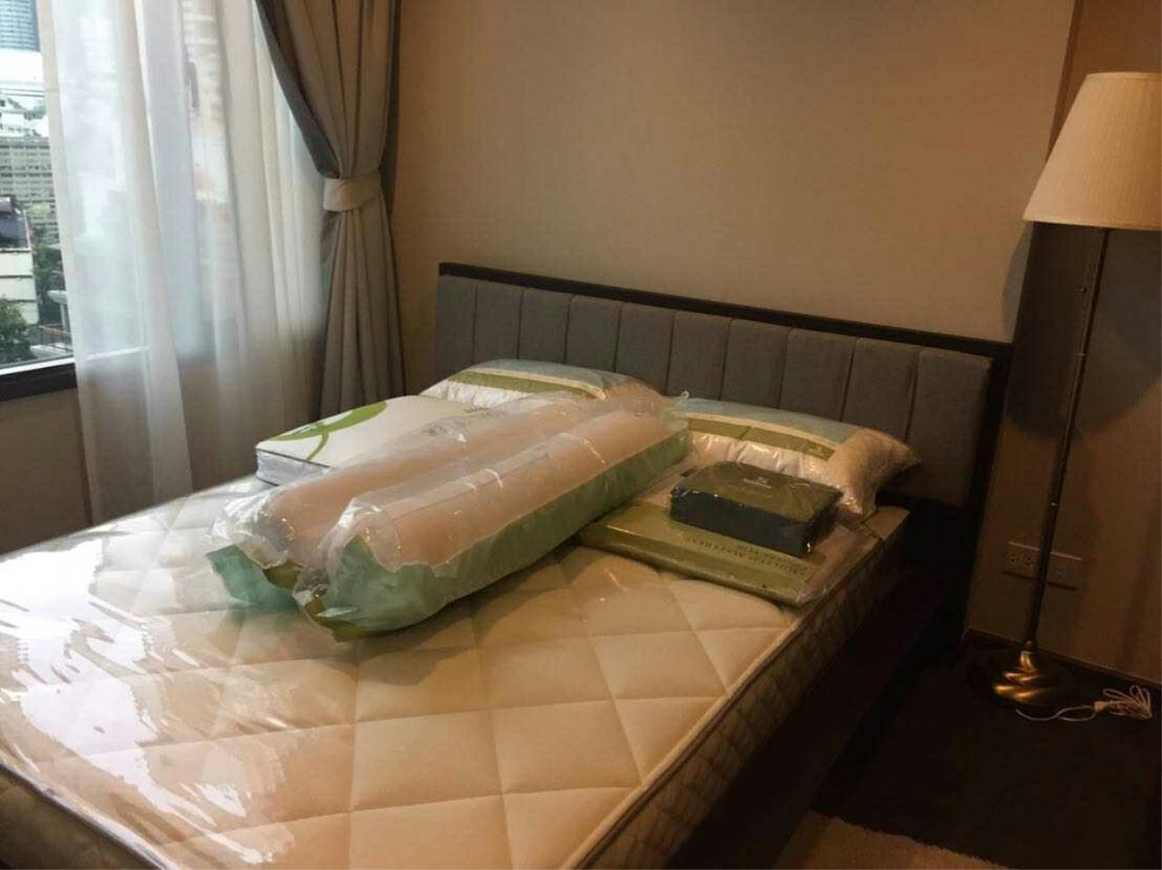 Arken Estate Agency Property Agency near BTS & MRT Agency's Edge by Sansiri Sukhumvit 23 1 bed 1 bath 4