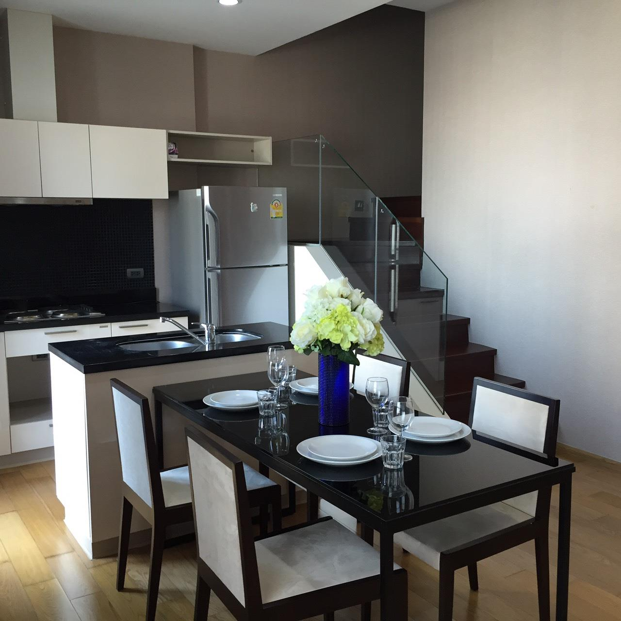 Arken Estate Agency Property Agency near BTS & MRT Agency's Fuse Sathorn 2Bedroom Duplex!!  Near BTS Wongwienyai  4
