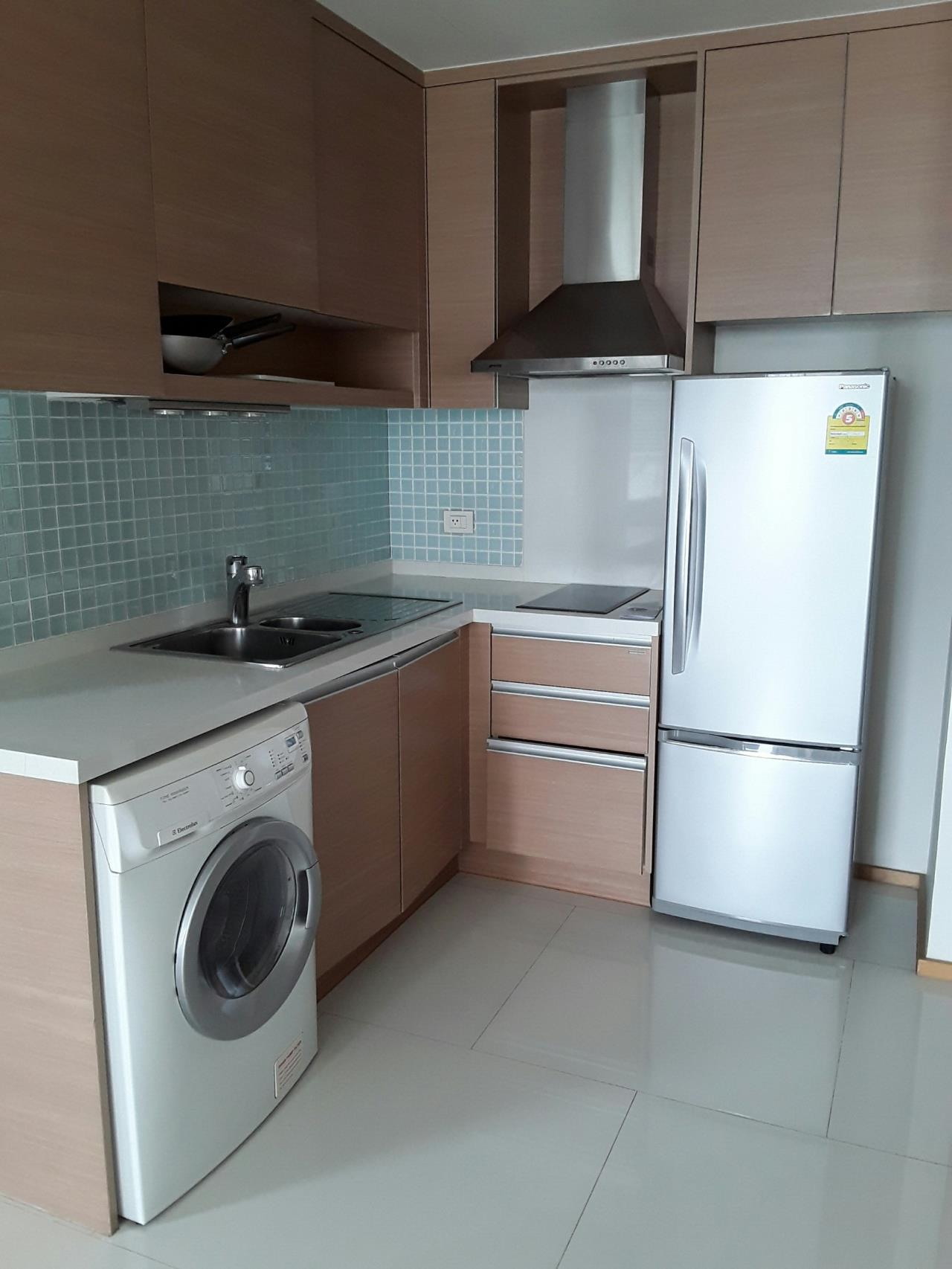 Arken Estate Agency Property Agency near BTS & MRT Agency's For Rent..The Emporio Sukhumvit 24..1 bed 4