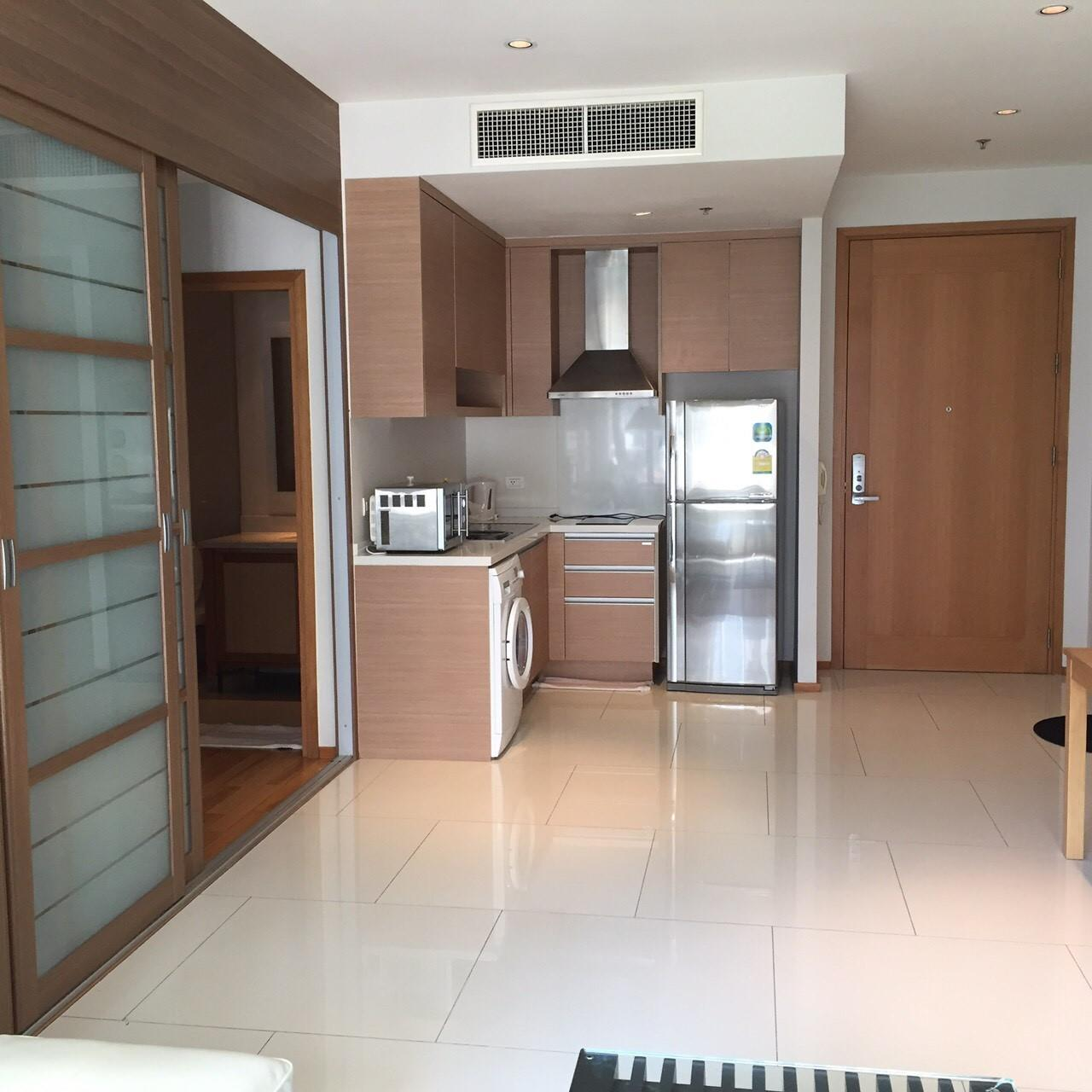 Arken Estate Agency Property Agency near BTS & MRT Agency's For Sale/Rent..The Emporio Place Sukhumvit 24 1 bed 1bath 4
