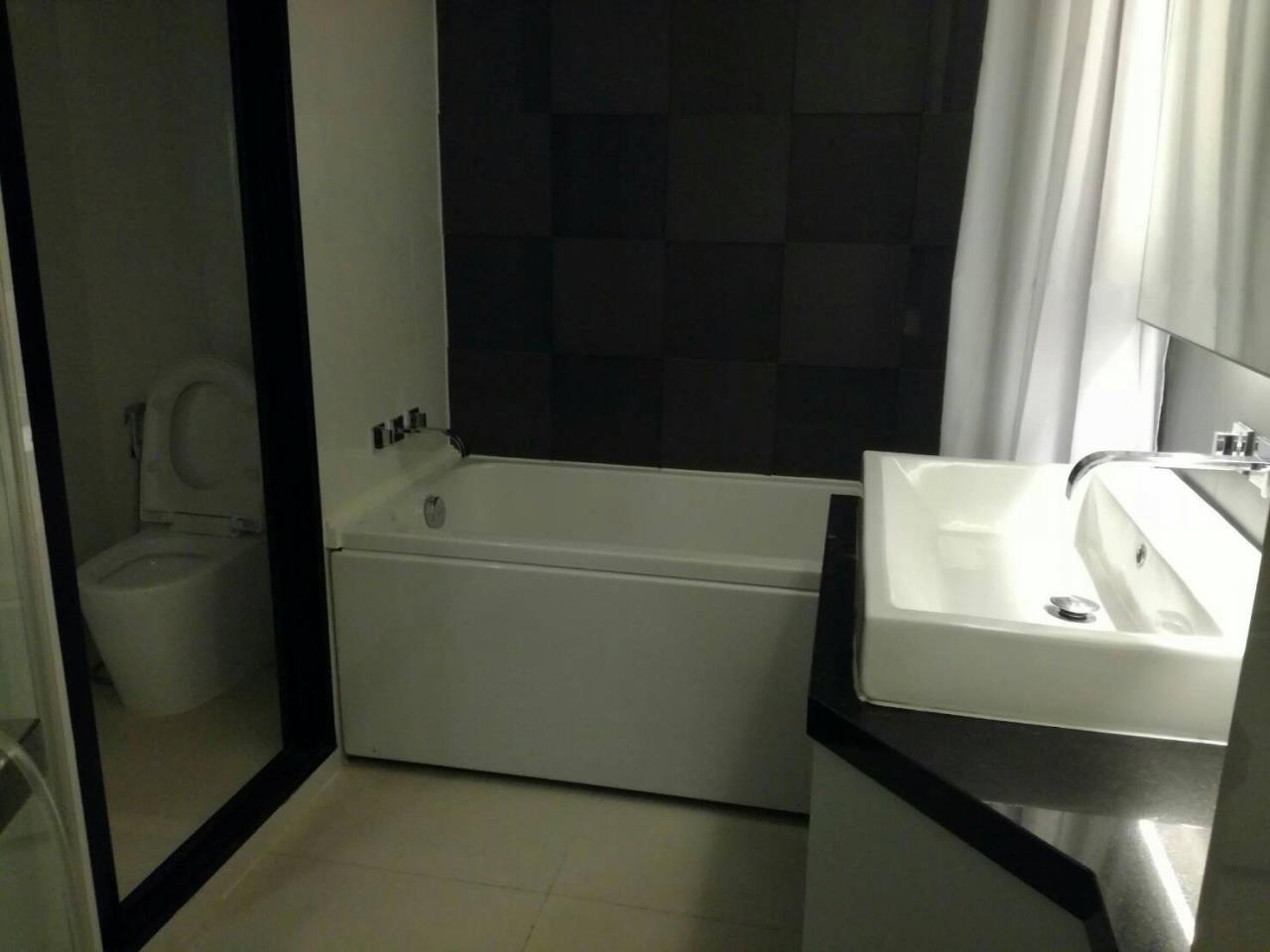 Arken Estate Agency Property Agency near BTS & MRT Agency's For Rent..IVY Ampio 1 bed 1 bath 5