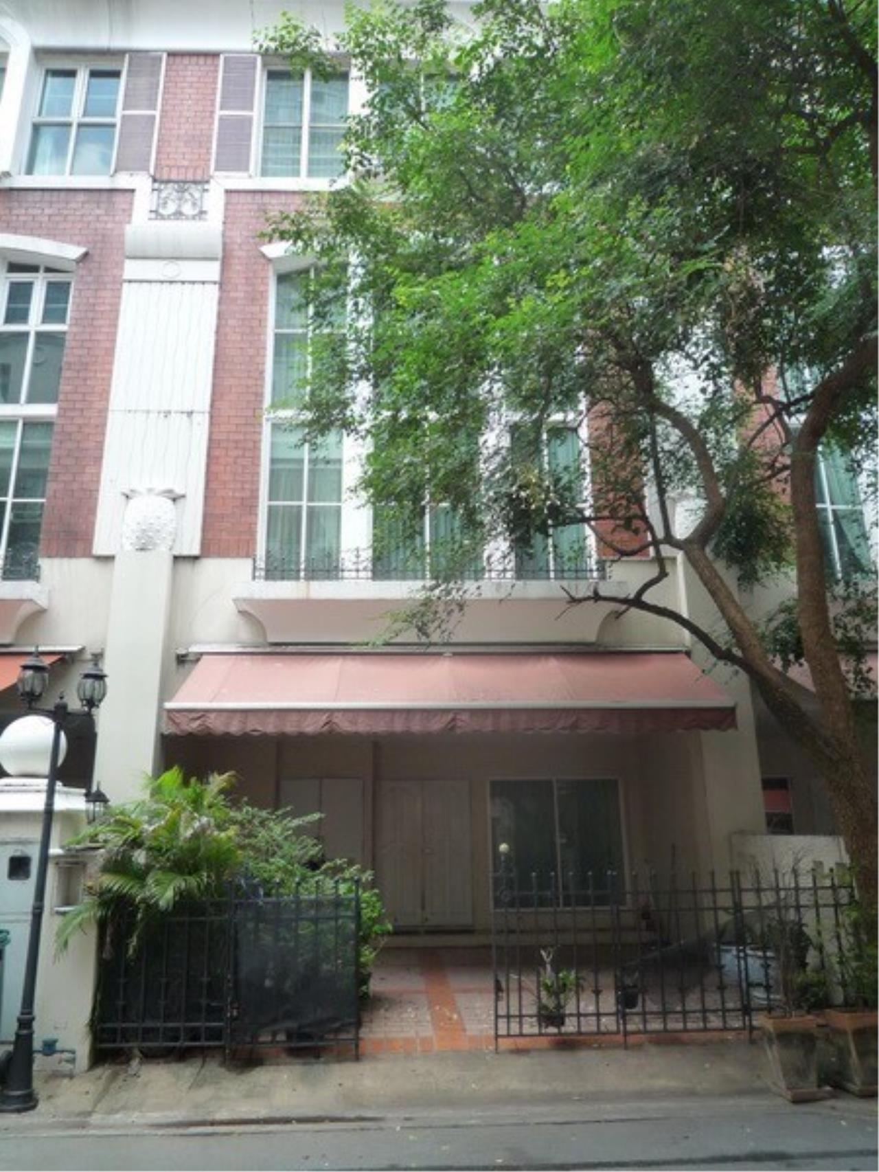 Arken Estate Agency Property Agency near BTS & MRT Agency's For Rent..Townhouse in Thonglor..Baan Klangkrung 4 bedrooms 6 bathrooms 2