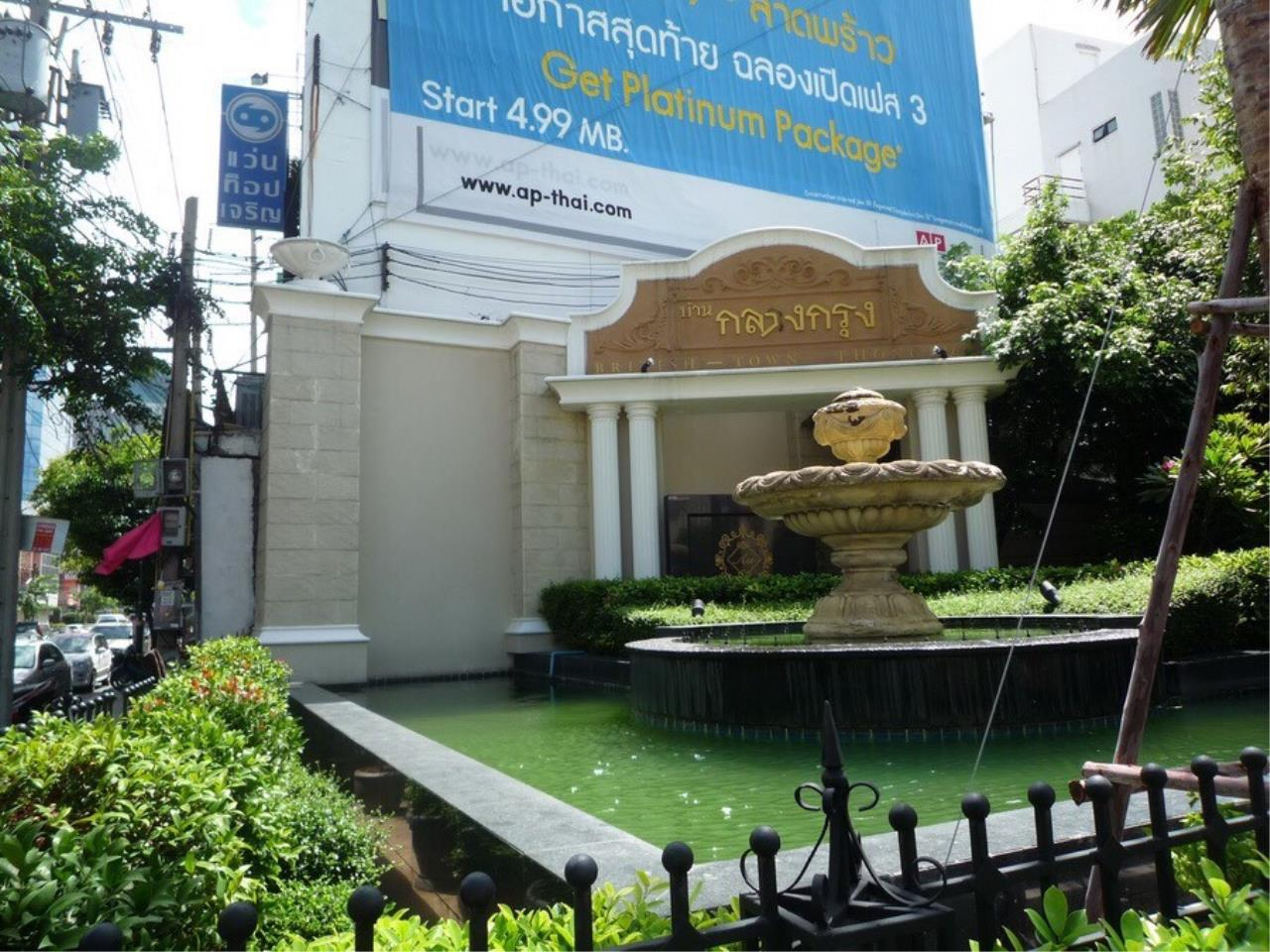 Arken Estate Agency Property Agency near BTS & MRT Agency's For Rent..Townhouse in Thonglor..Baan Klangkrung 4 bedrooms 6 bathrooms 1