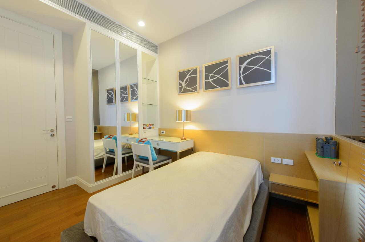 Arken Estate Agency Property Agency near BTS & MRT Agency's For Sale/Rent..Q House Langsuan 2 bed 2