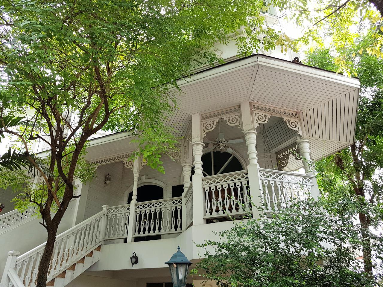 Arken Estate Agency Property Agency near BTS & MRT Agency's For Rent..Townhouse at Fantasia Villa 2 1