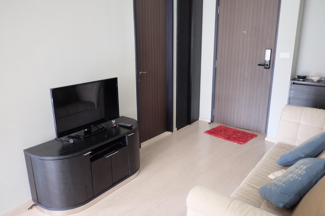 Arken Estate Agency Property Agency near BTS & MRT Agency's Rhythm 44/1 1bedroom available only 28K ( 1 room left ) 2