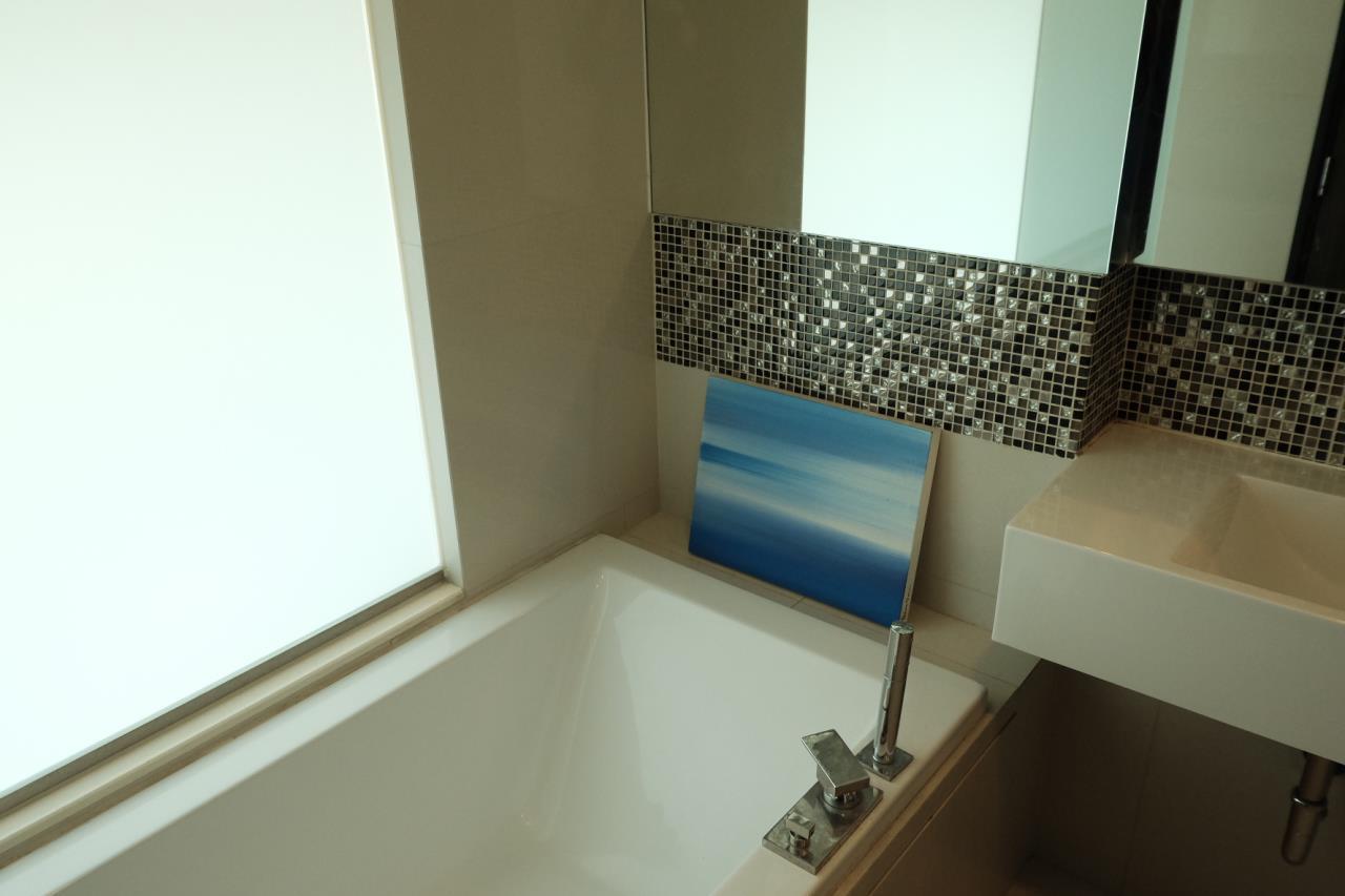 Arken Estate Agency Property Agency near BTS & MRT Agency's Rhythm 44/1 1bedroom available only 28K ( 1 room left ) 4
