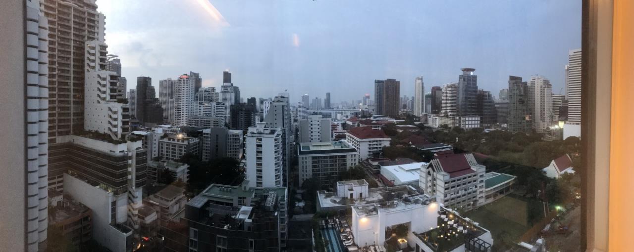 Arken Estate Agency Property Agency near BTS & MRT Agency's 15 Sukhumvit residences 5