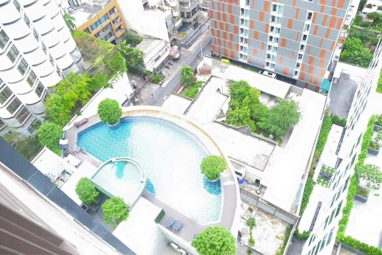 Arken Estate Agency Property Agency near BTS & MRT Agency's 15 Sukhumvit residences 6