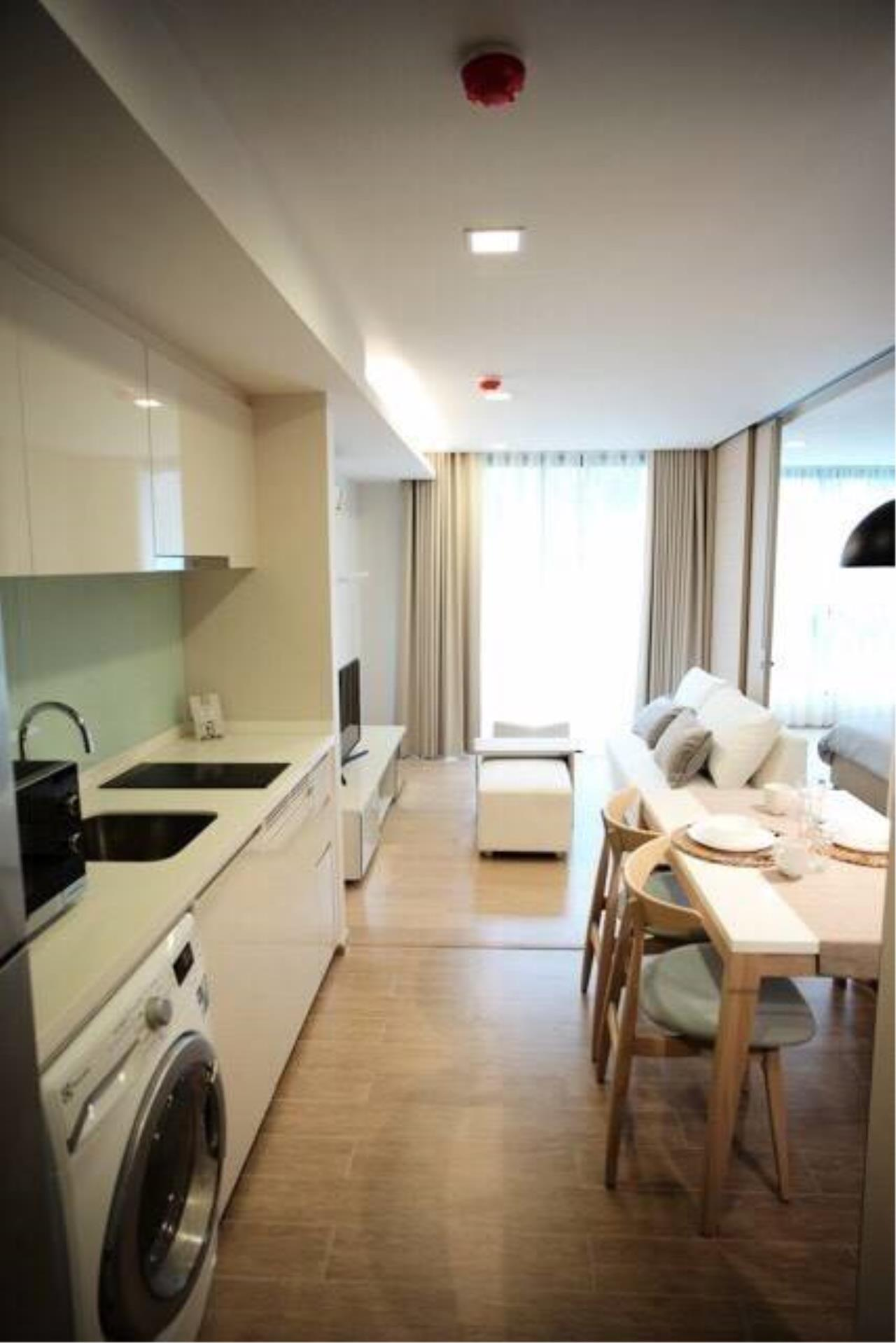 Arken Estate Agency Property Agency near BTS & MRT Agency's For Rent LIV@Sukhumvit 49, 1 bed 1 bath 1