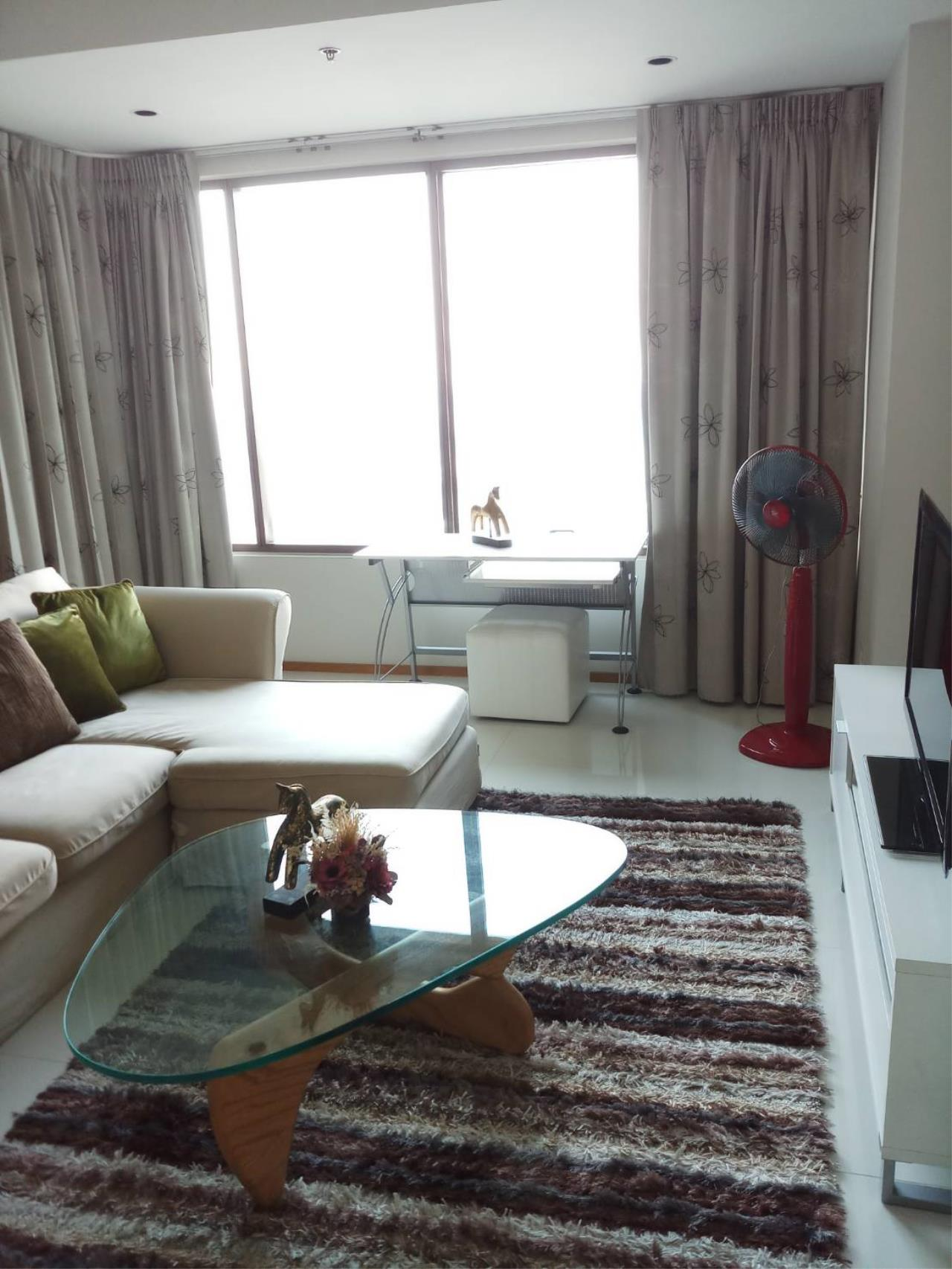 Arken Estate Agency Property Agency near BTS & MRT Agency's For Rent The Emporio Place 2 bed 1