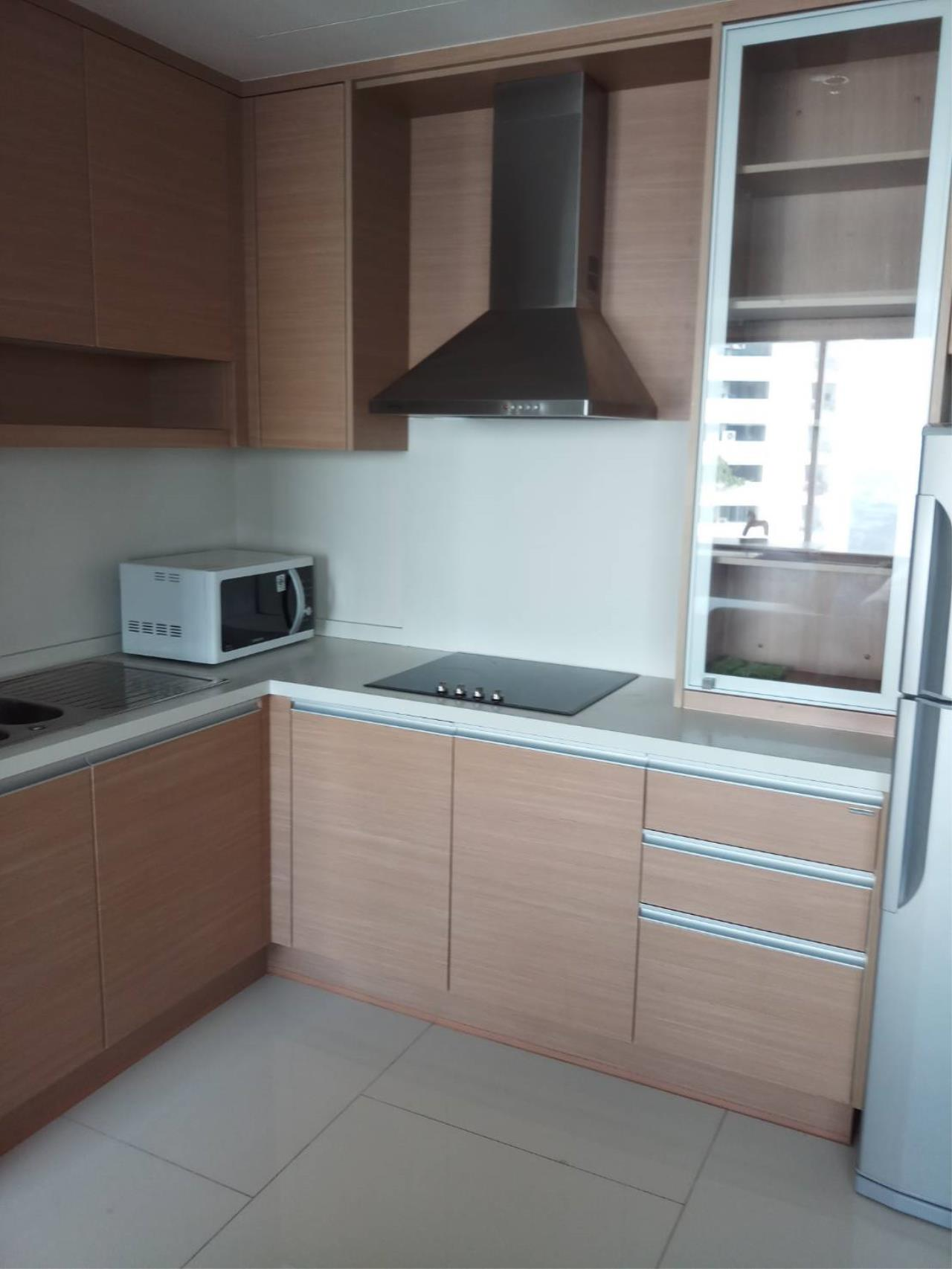 Arken Estate Agency Property Agency near BTS & MRT Agency's For Rent The Emporio Place 2 bed 7