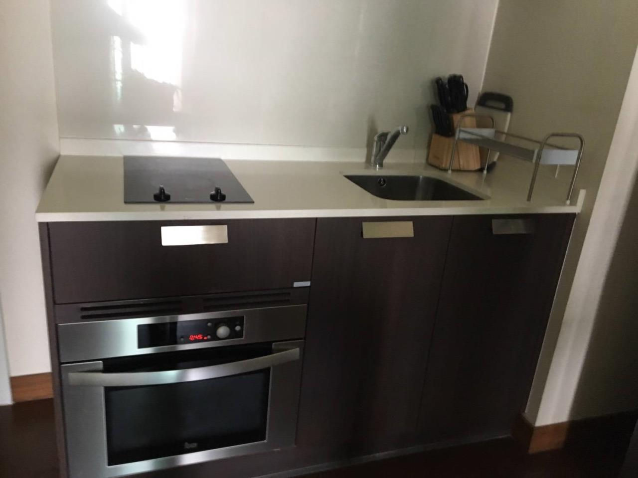 Arken Estate Agency Property Agency near BTS & MRT Agency's For Rent IVY Thonglor 1 bed 1 bath+tub 6