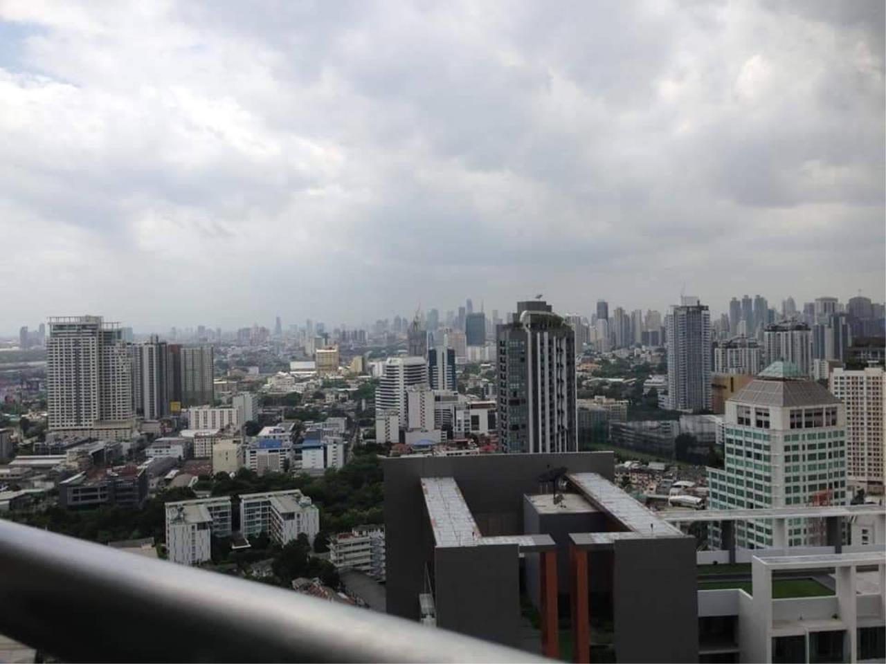 Arken Estate Agency Property Agency near BTS & MRT Agency's For Rent Sky Walk Condominium 1 bed 1 bath 1
