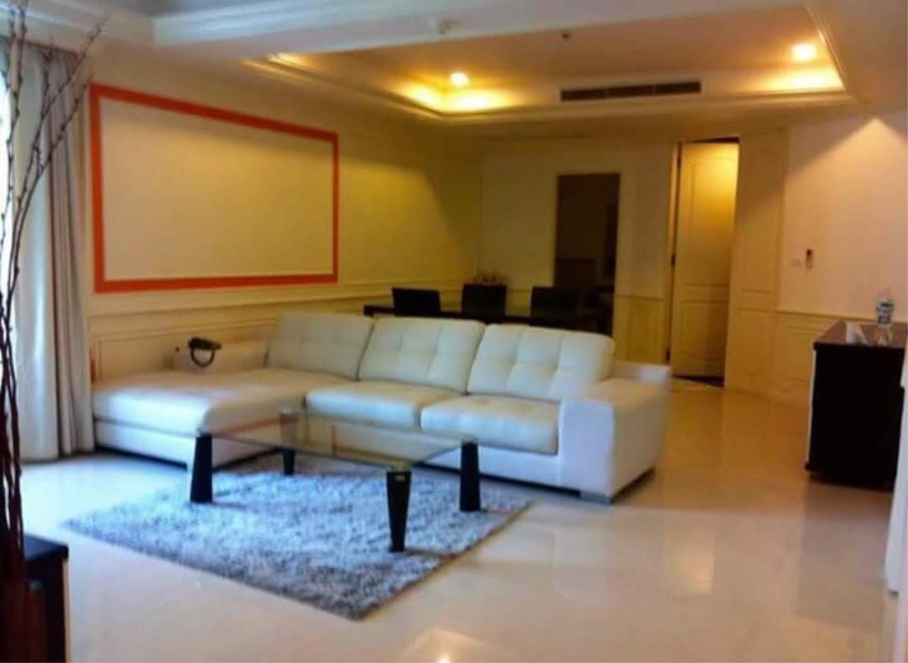 Arken Estate Agency Property Agency near BTS & MRT Agency's For Rent La Vie En Rose Place 3 bed 4 bath 2
