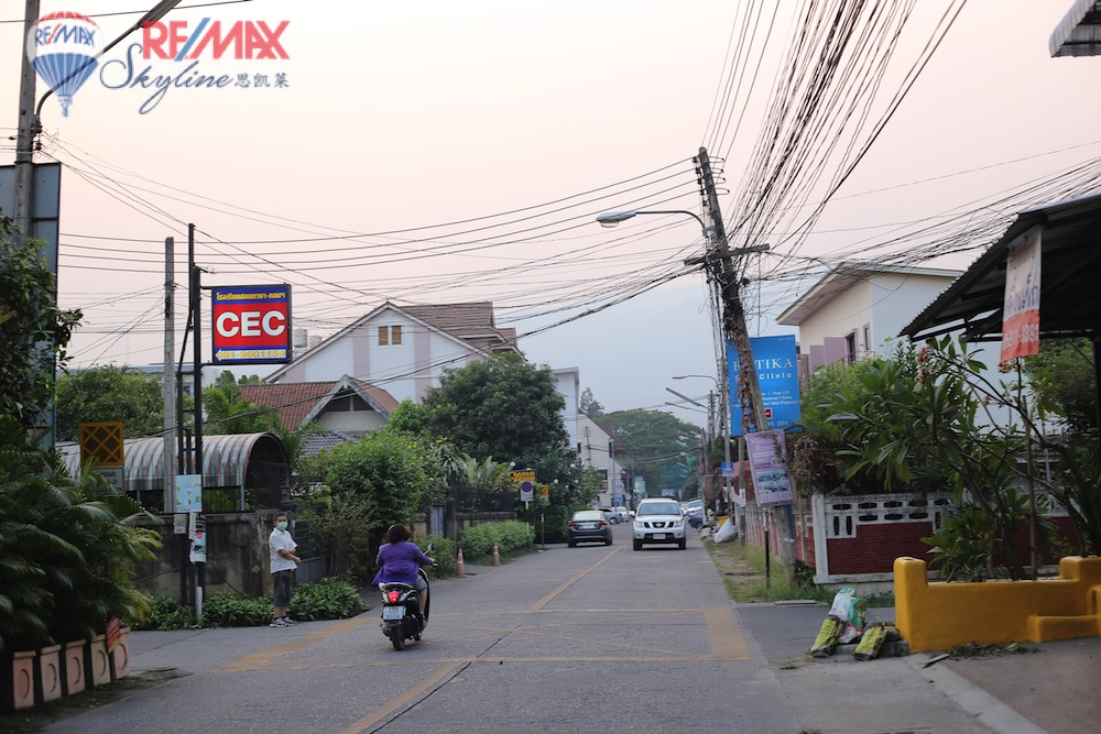 RE/MAX Skyline Agency's Comercial/Residencial for Sale Nimmanhaemin road Chiang Mai, MAYA Shopping mall 21