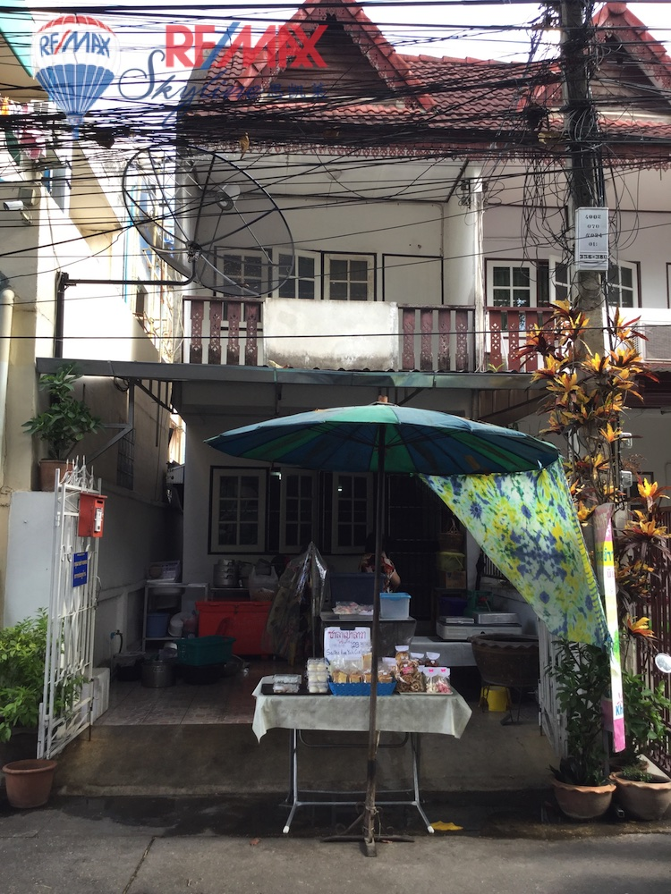 RE/MAX Skyline Agency's Townhouse for Sale on Nimmanhaemin Road 11