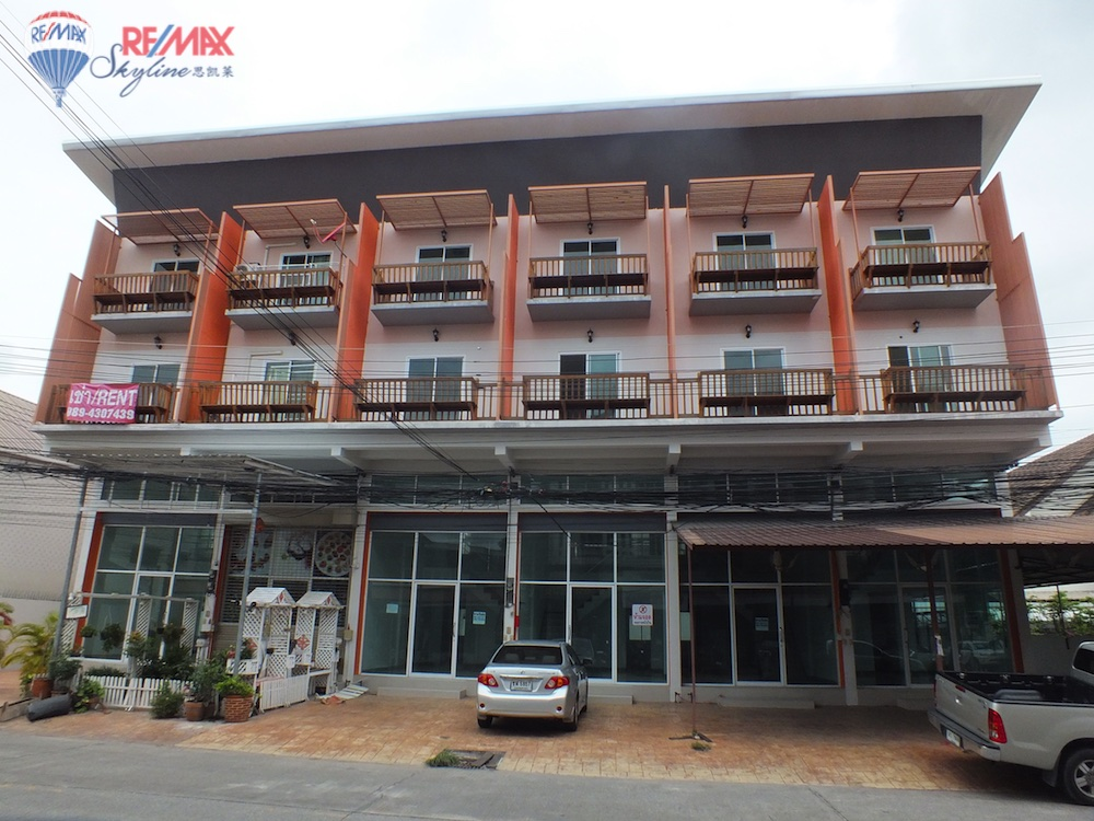 RE/MAX Skyline Agency's Townhouse for Sale Nimmanhaemin road Chiang Mai, MAYA Shopping mall 1