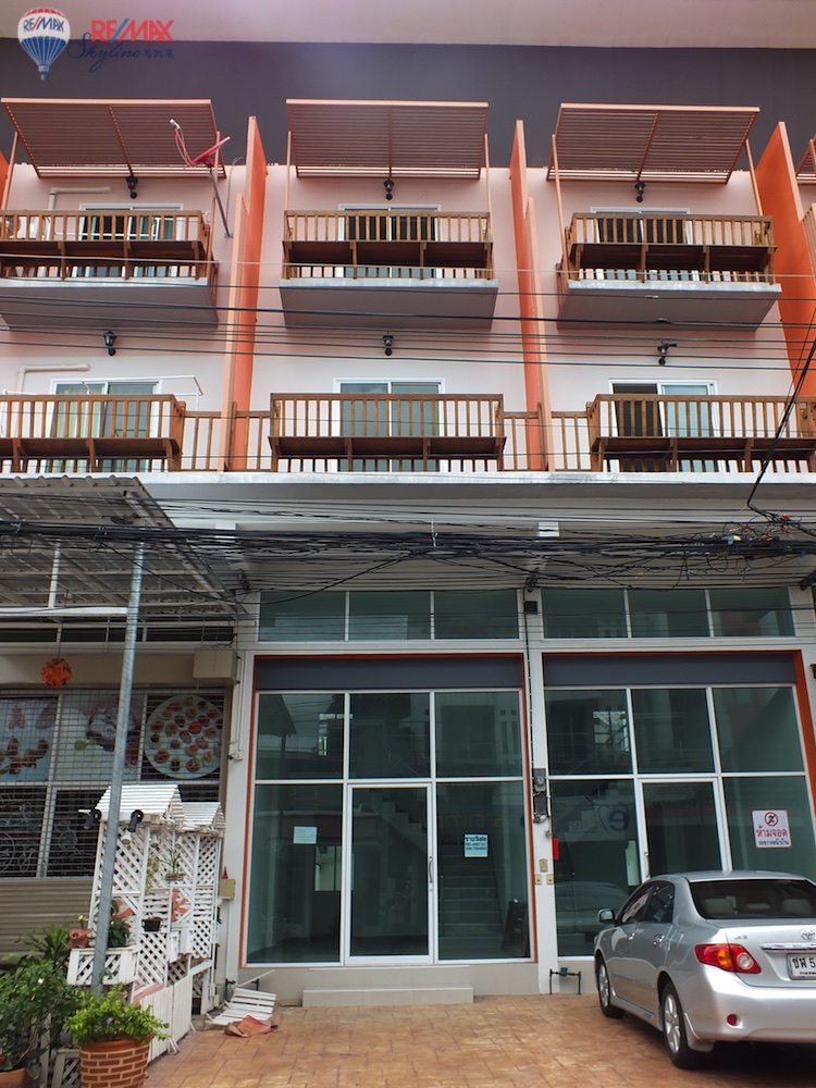 RE/MAX Skyline Agency's Townhouse for Sale Nimmanhaemin road Chiang Mai, MAYA Shopping mall 2