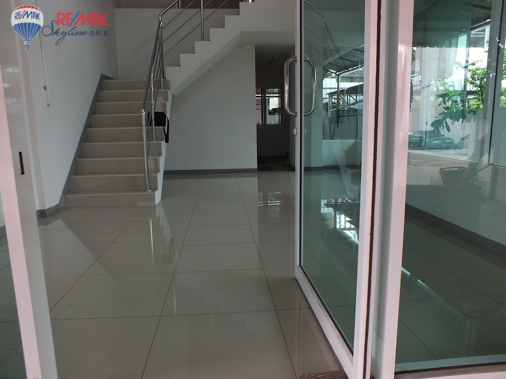 RE/MAX Skyline Agency's Townhouse for Sale Nimmanhaemin road Chiang Mai, MAYA Shopping mall 4