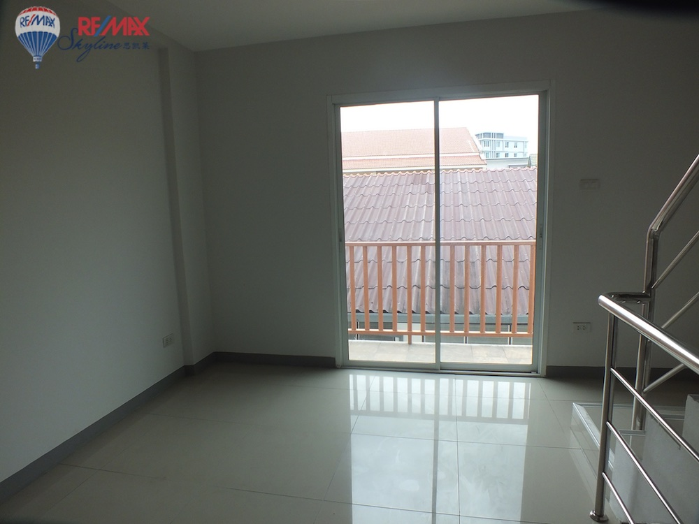 RE/MAX Skyline Agency's Townhouse for Sale Nimmanhaemin road Chiang Mai, MAYA Shopping mall 29