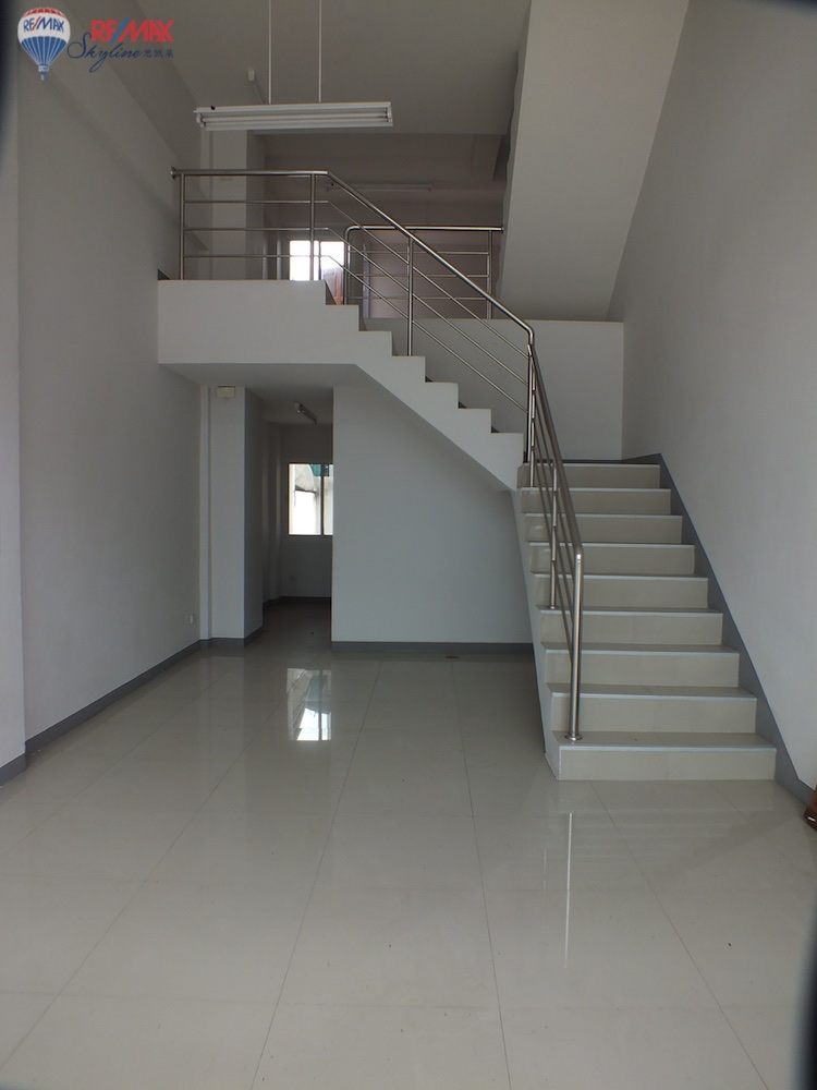 RE/MAX Skyline Agency's Townhouse for Sale Nimmanhaemin road Chiang Mai, MAYA Shopping mall 39