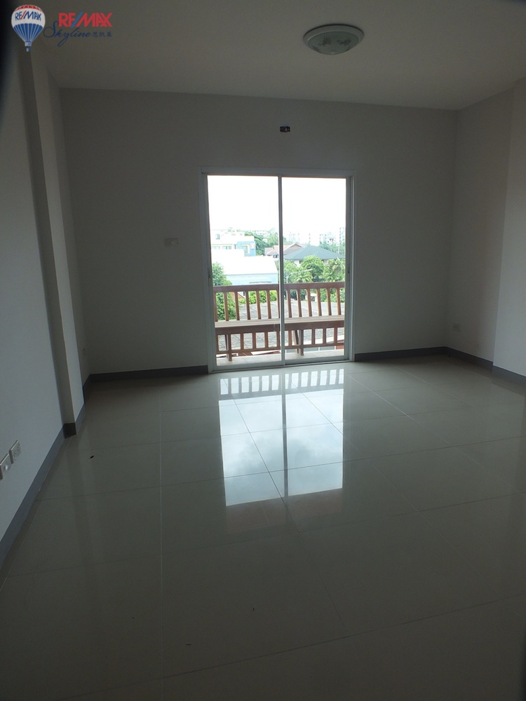 RE/MAX Skyline Agency's Townhouse for Sale Nimmanhaemin road Chiang Mai, MAYA Shopping mall 51