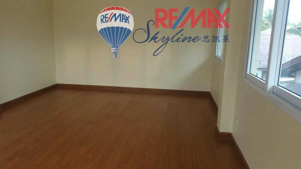 RE/MAX Skyline Agency's House for Sale, San Sai Chiang Mai, close to Tesco Lotus Meechoke 11