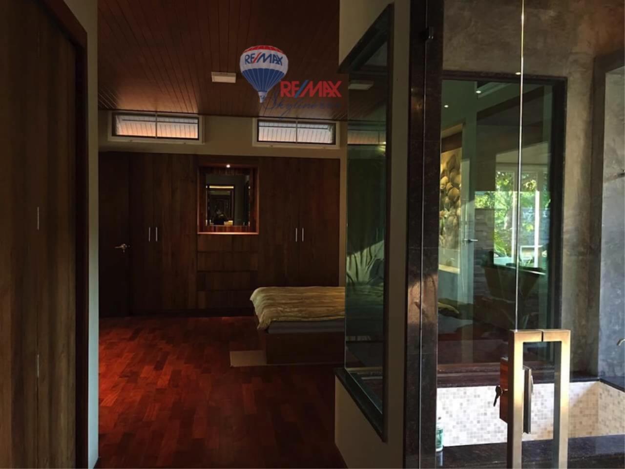 RE/MAX Skyline Agency's Resort for sale 6