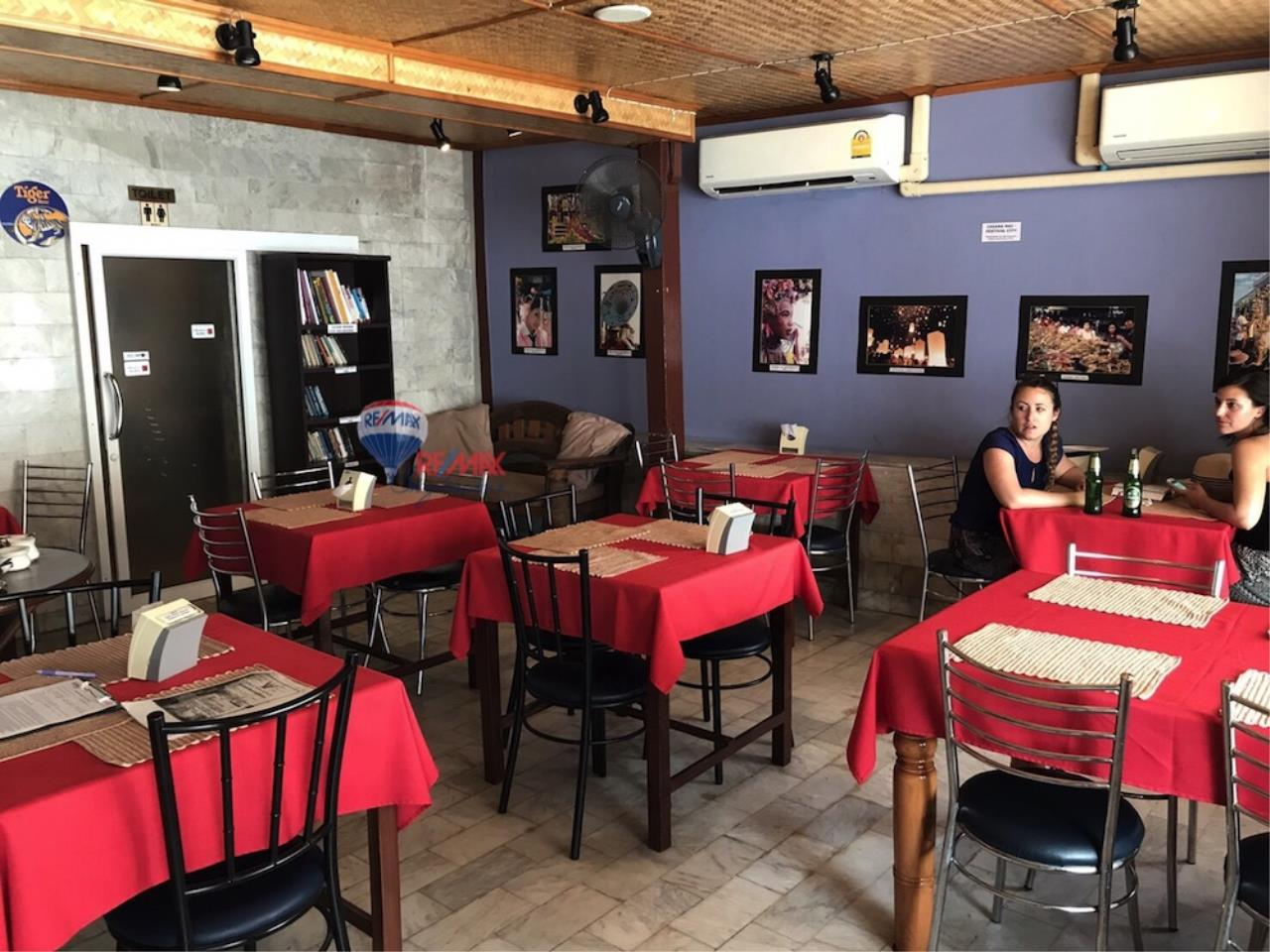 RE/MAX Skyline Agency's Restaurant for Sale 2