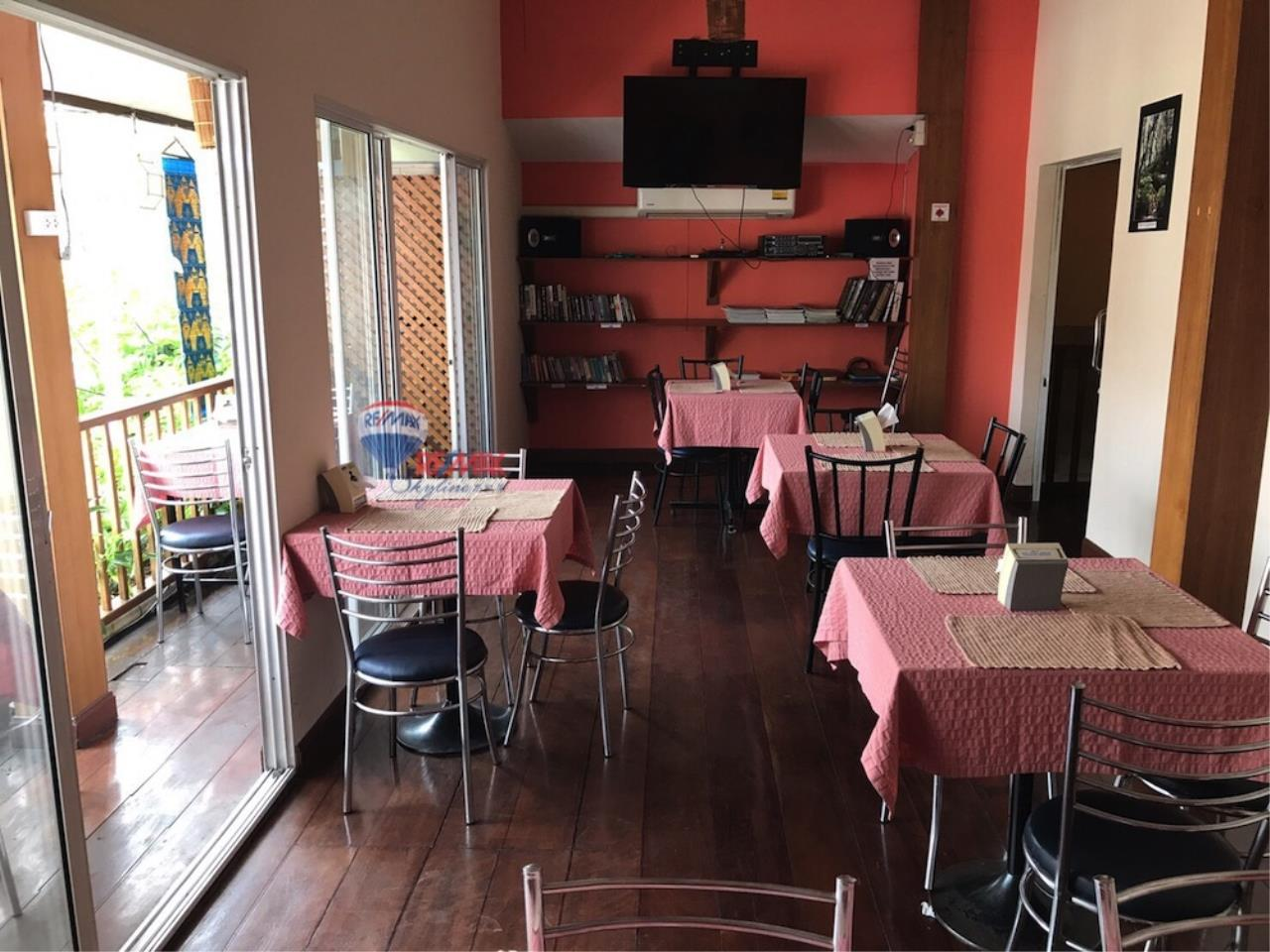 RE/MAX Skyline Agency's Restaurant for Sale 11