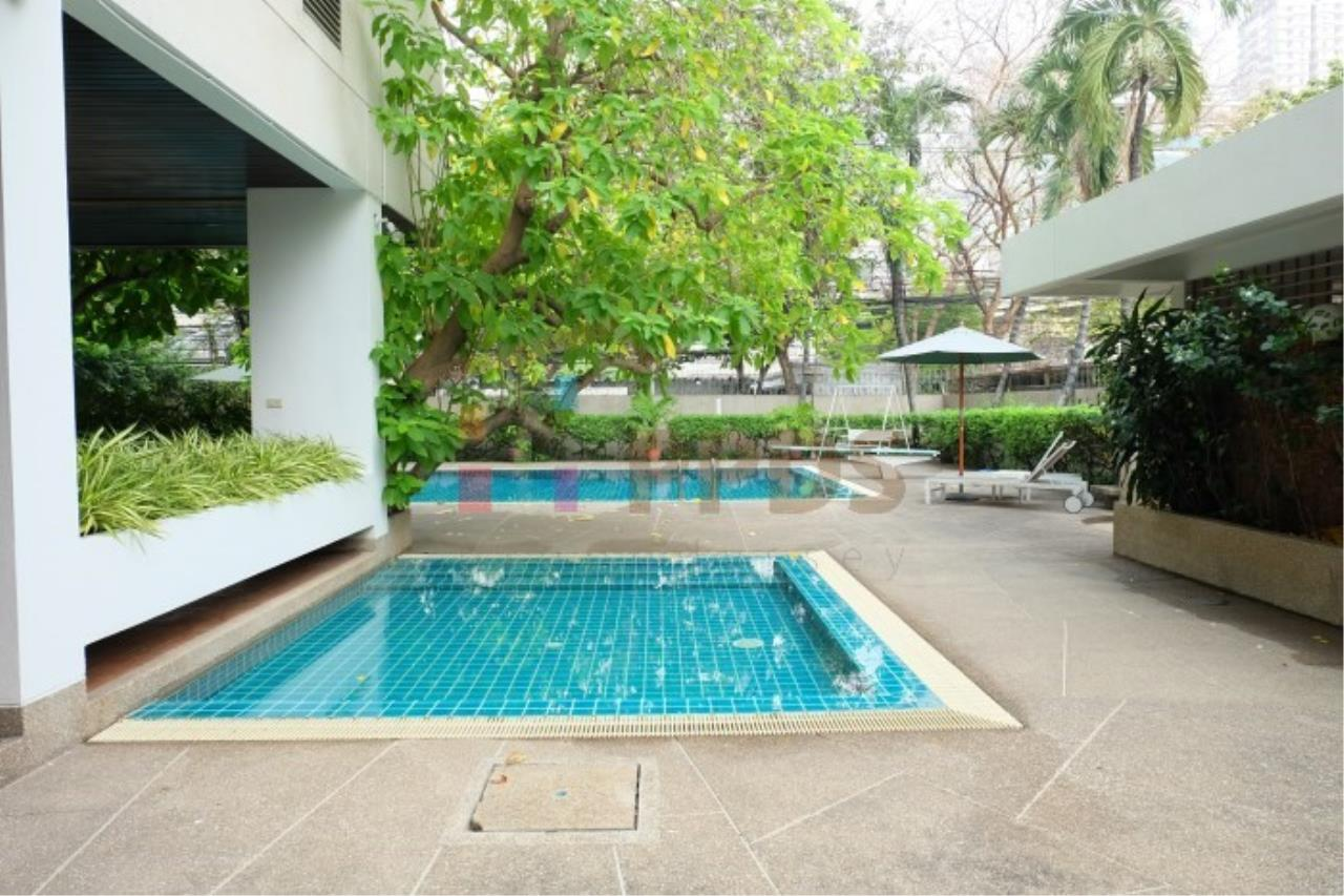 Propodyssey Agency's 3 bedrooms for rent at Sukhumvit near EmQuartier 21